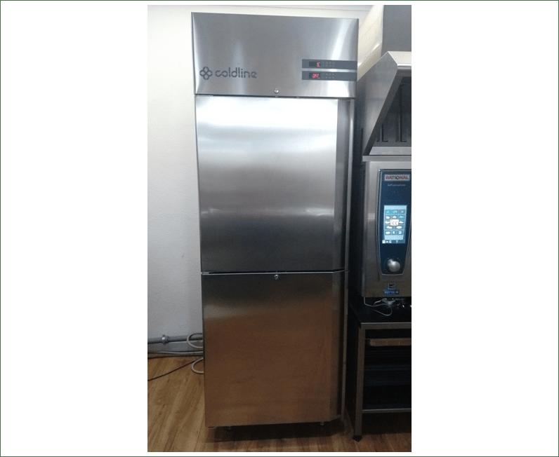 Armadio frigo e freezer usato